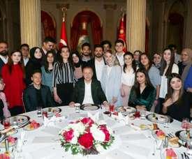 Özil dîne avec Erdogan pour la rupture du jeûne du ramadan. AFP