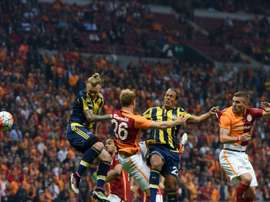 Lukas Podolski lors d'un match de championnat avec Galatasaray face à Fenerbahçe. AFP