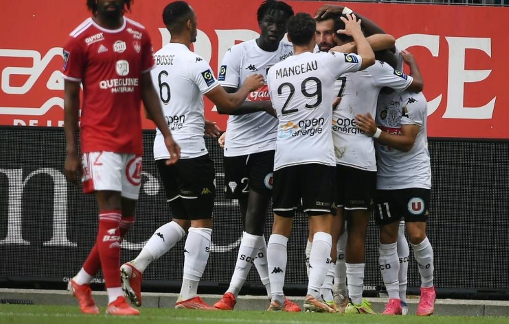 La joie des joueurs d'Angers sur le but de l'égalisation face à Brest. AFP