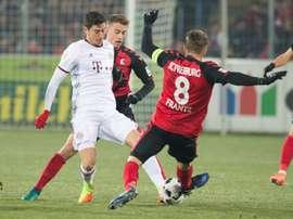 El delantero polaco fue el autor de los tantos del Bayern. EFE