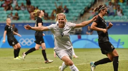 La joie de lattaquante française Eugénie Le Sommer après son but contre la Nouvelle-Zélande aux JO, le 9 août 2016 à Salvador