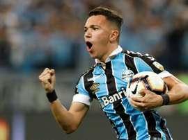 Pepê marcou o primeiro gol do Grêmio contra a Universidad Católica. AFP