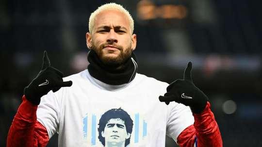 PSG e sua homenagem a Maradona. AFP