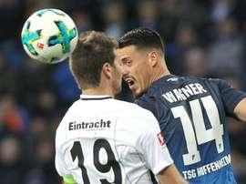 Duelo equilibrado teve gols apenas no princípio e no final. AFP