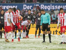 Sous une neige abondante, le FC Cologne sest incliné sur sa pelouse devant Fribourg. AFP