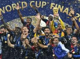 Los 23 jugadores de Francia se proclamaron campeones del Mundo. AFP