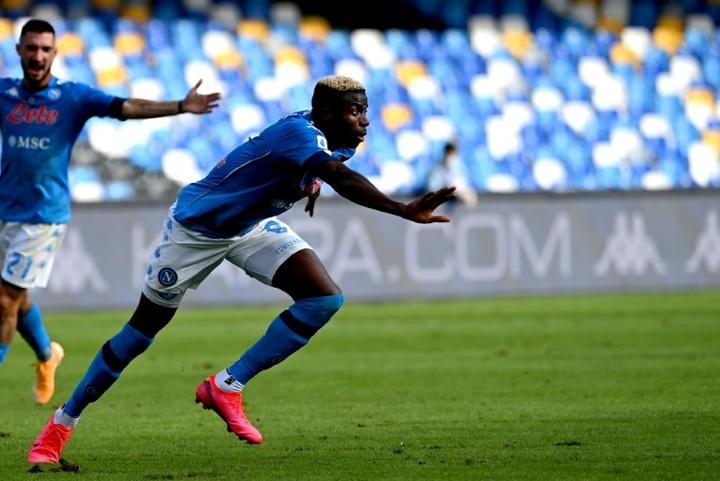 Fabián e Osimhen garantem a vitória do Napoli contra a Sampdoria. AFP