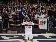 Première titularisation pour Dani Alves avec Sao Paulo. AFP