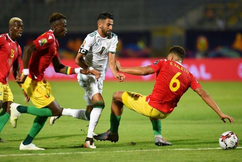 Le match Guinée - Gambie annulé en raison de plusieurs cas ...Les Ondes De Guinee