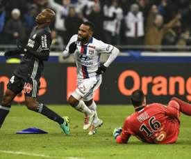 Lacazette anotó un doblete en la victoria del Lyon ante el Marsella. AFP