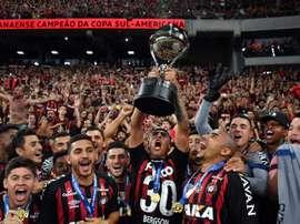 Les joueurs du club brésilien Atlético Paranaense célèbrent leur victoire. AFP