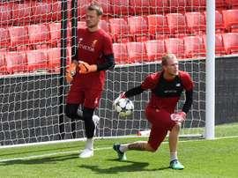 Mignolet est toujours à Liverpool. AFP