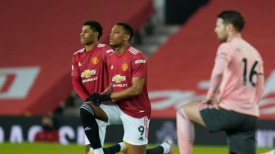 Manchester United dénonce des insultes racistes contre Tuanzebe et Martial. afp