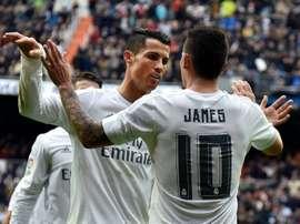 James suena para la Juventus. AFP