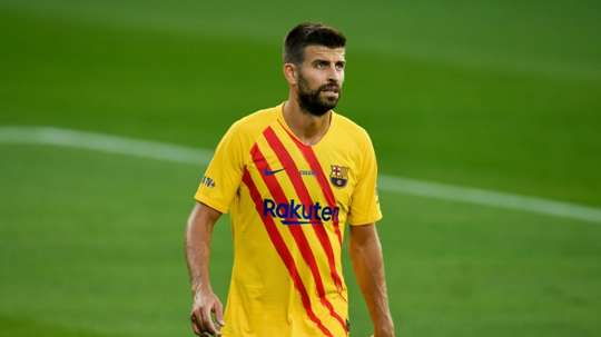 Pique is in negotiations with the club over his salary. EFE