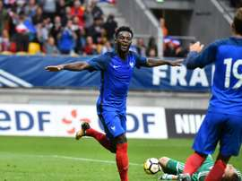 Bamba está a punto de terminar contrato con el Saint-Etienne. AFP