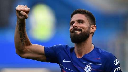 Giroud tiene contrato con el Chelsea hasta 2019. AFP