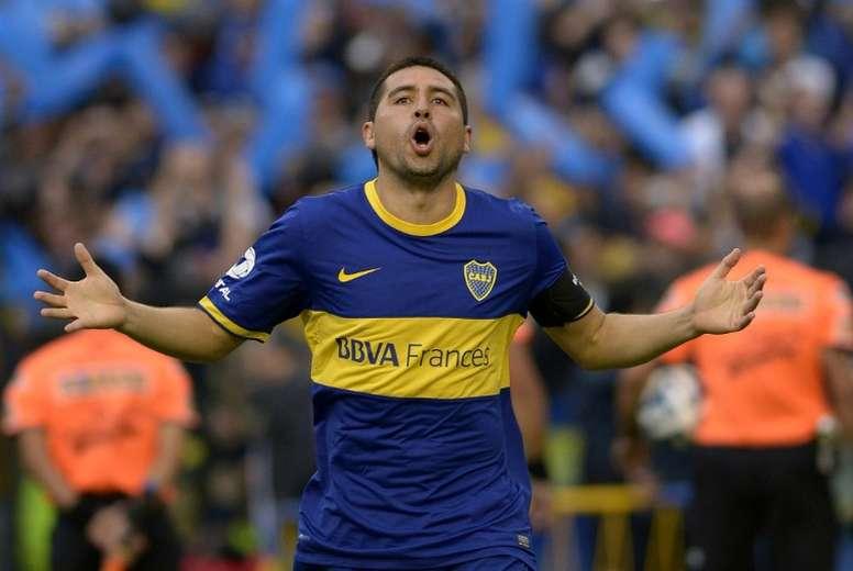 Riquelme ofreció La Bombonera para velar a Diego. AFP