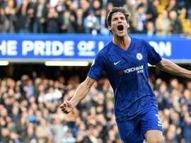 Chelsea et Leicester mettent la pression sur City. AFP