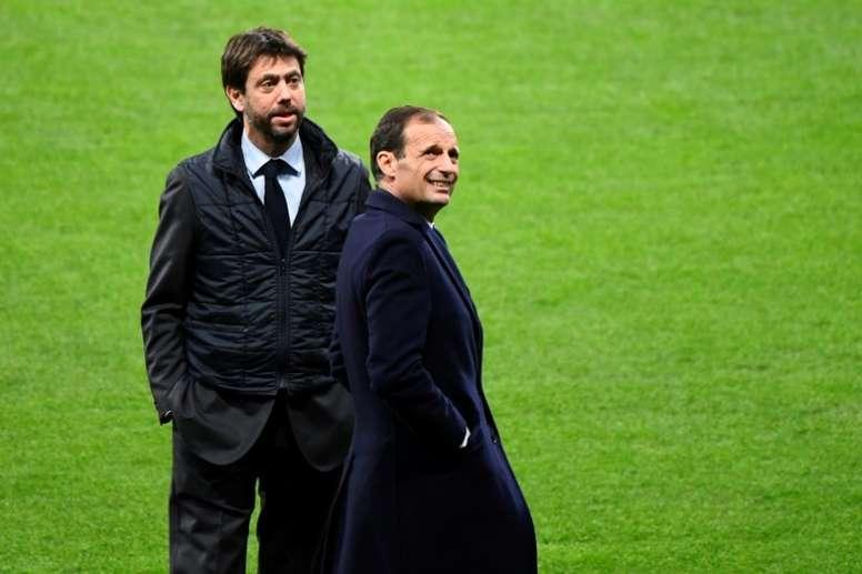 Allegri y Agnelli no han llegado aún a un acuerdo. AFP/Archivo