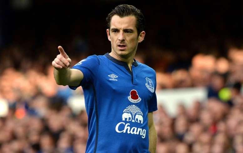 Baines tiene muchas posibilidades de salir del Everton este verano. AFP