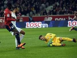Lille y Metz se la juegan en Francia. AFP