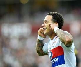 Depay marcou na vitória do Lyon. AFP