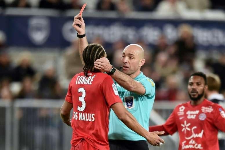 Daniel Congré exclu, lors du match opposant son équipe, Montpellier, à Bordeaux. AFP