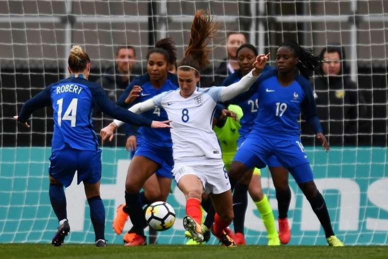 La France a fait pâle figure face aux Anglaises. AFP