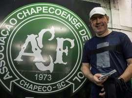 Fallece Rafael Henzel, el periodista que sobrevivió al accidente de Chapecoense. AFP