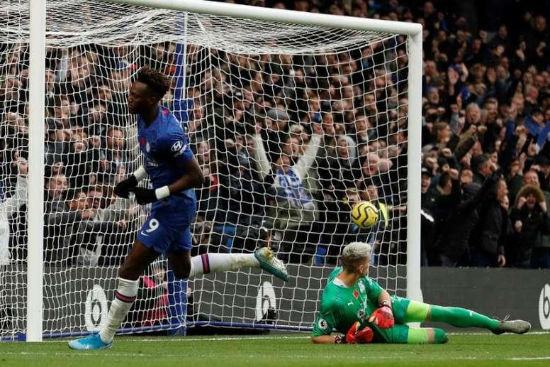 Chelsea sur le podium après un 6 sur 6. AFP