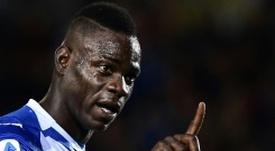 Balotelli não é relacionado para jogo. AFP
