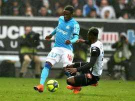 El lateral del Olympique de Marsella renueva hasta 2022. AFP