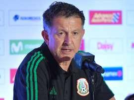 Osorio no podrá contar con Guardado para el choque ante Escocia. AFP