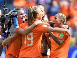 Les Néerlandaises heureuses de leur victoire tardive. AFP