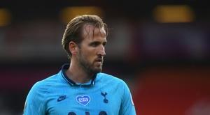 Harry Kane é destaque de um Tottenham sem brilho. AFP