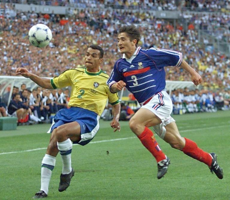 Campeón mundial con Brasil, asfixiado en deudas