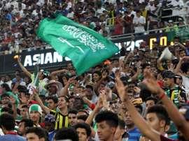 Des supporters saudiens à Jeddah lors du match de qualifications face aux Emirats. AFP