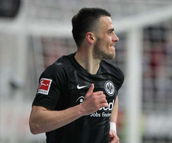 Eintracht recusou 40 milhões da Inter por Kostic. AFP
