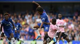Willian pondrá punto y final a su etapa en el Chelsea. AFP