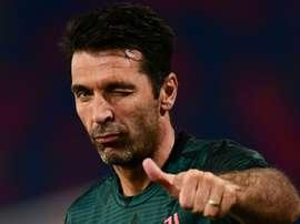 Gianluigi Buffon deve permanecer até 2022 na Juventus. AFP