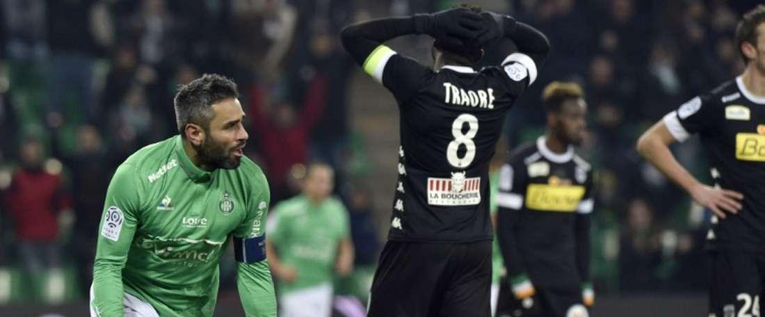 Perrin marcó el gol de la victoria del Saint Etienne. AFP