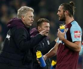 Moyes não se iria opor a uma saída de Carroll. AFP