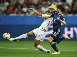 L'Anglaise Rachel Daly et la Japonaise Saori Takarada. AFP