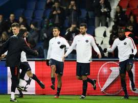 Hatem Ben Arfa participe à léchauffement parisien avant daffronter Ludogorets au Parc des princes, le 6 décembre 2016