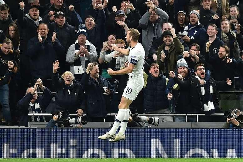 Kane a marqué deux buts contre Burnley. AFP