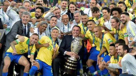 Jair Bolsonaro insiste pour un retour rapide du football. AFP