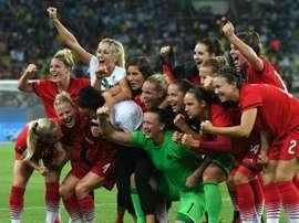 Les footballeuses allemandes célèbrent leur victoire sur la Suède en finale des JO de Rio, le 19 août 2016