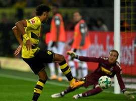 Aubameyang, triple buteur pour Dortmund face à Mönchengladbach lors du choc des Borussia. AFP