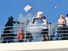 Scènes de violences entre supporters du PAOK et ceux de l'AEK Athènes. AFP